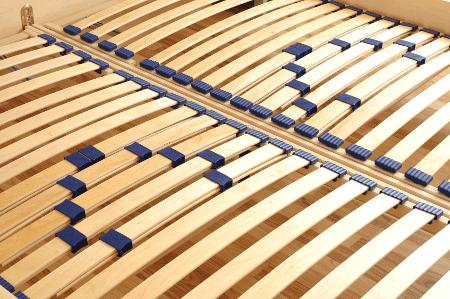 Lattenrost-einstellen-Seitenschlaefer