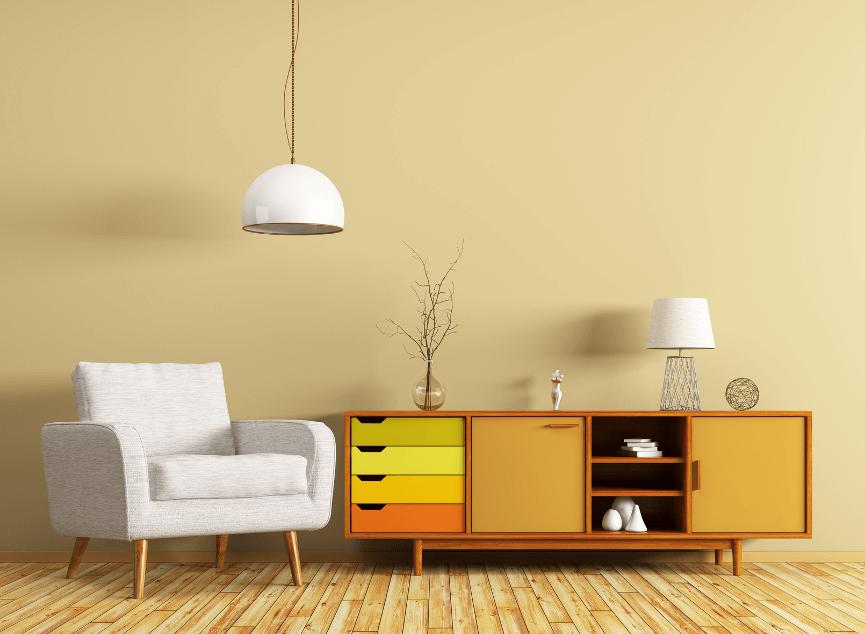 Modern eingerichtetes Zimmer mit Kommode